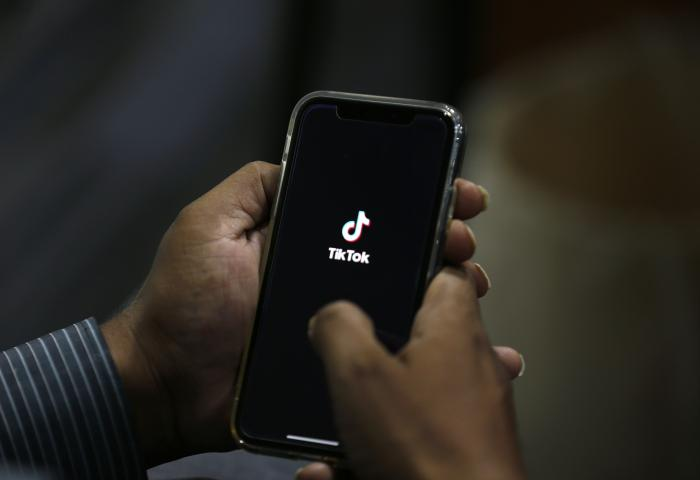 US Banning Use of WeChat, TikTok for National Security
